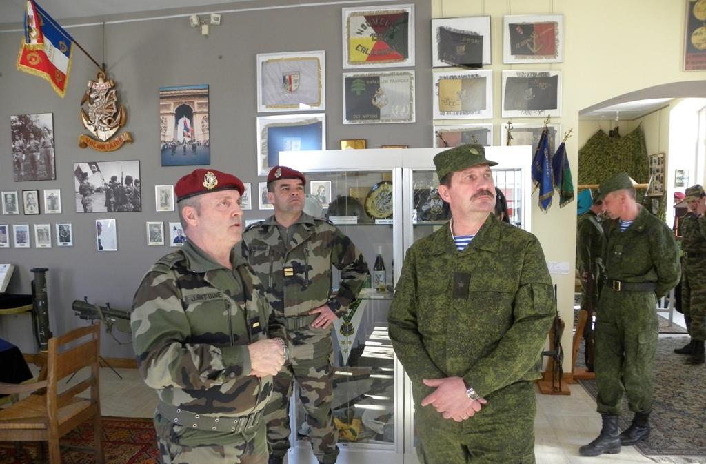 совместные учения ВДВ России и Франции