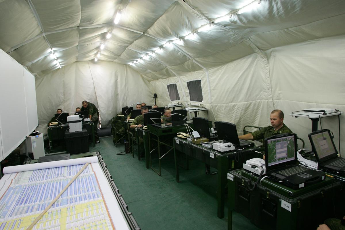 В армию начали поступать модернизированные комплексы управления войсками