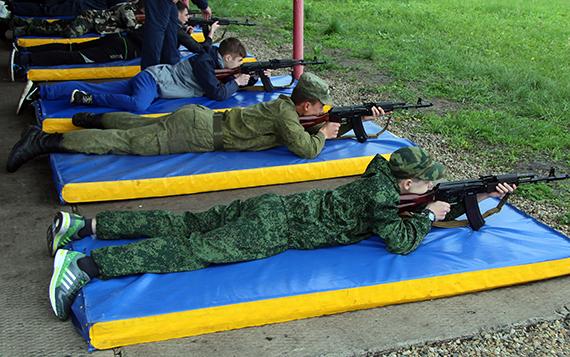 Более 800 липецких старшеклассников овладевали азами военной службы