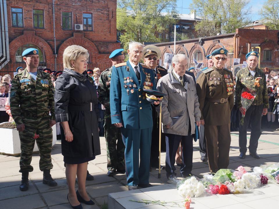 В гимназии №2 г. Нижнего Новгорода состоялась встреча с ветеранами ВДВ