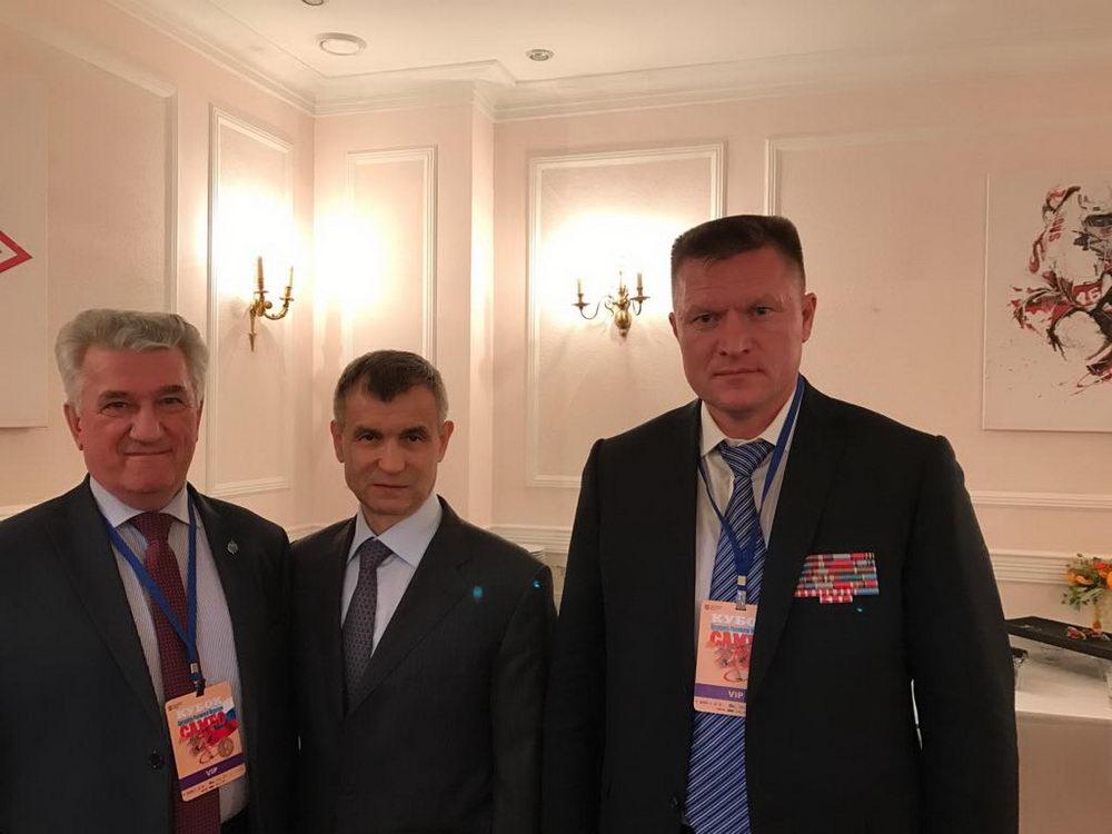 Самбо - национальный вид спорта России в борьбе за будущее страны - молодежь