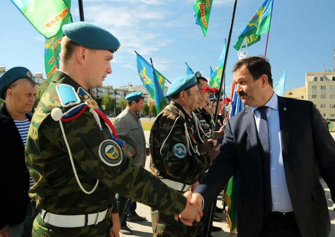 В Усинске прошли мероприятия, посвящённые празднованию дня Воздушно-десантных войск