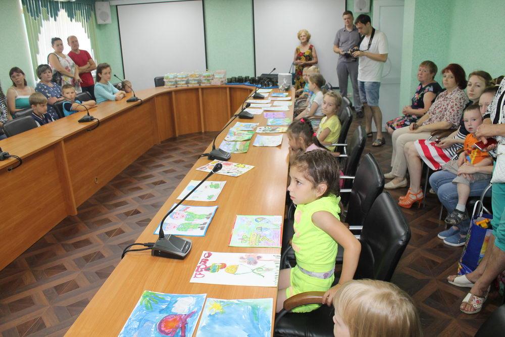 Десантники наградили Кинешемских детей