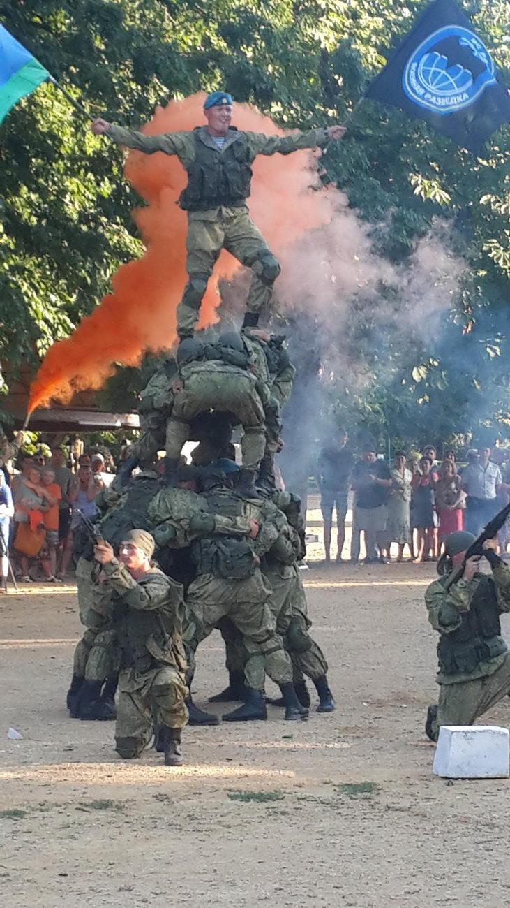 В Таганроге отметили 87-ю годовщину образования Воздушно-десантных войск России