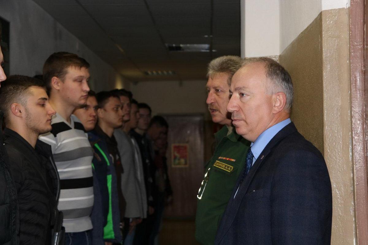Осенняя призывная кампания-2017 стартовала в Кировском районе Ленинградской области!