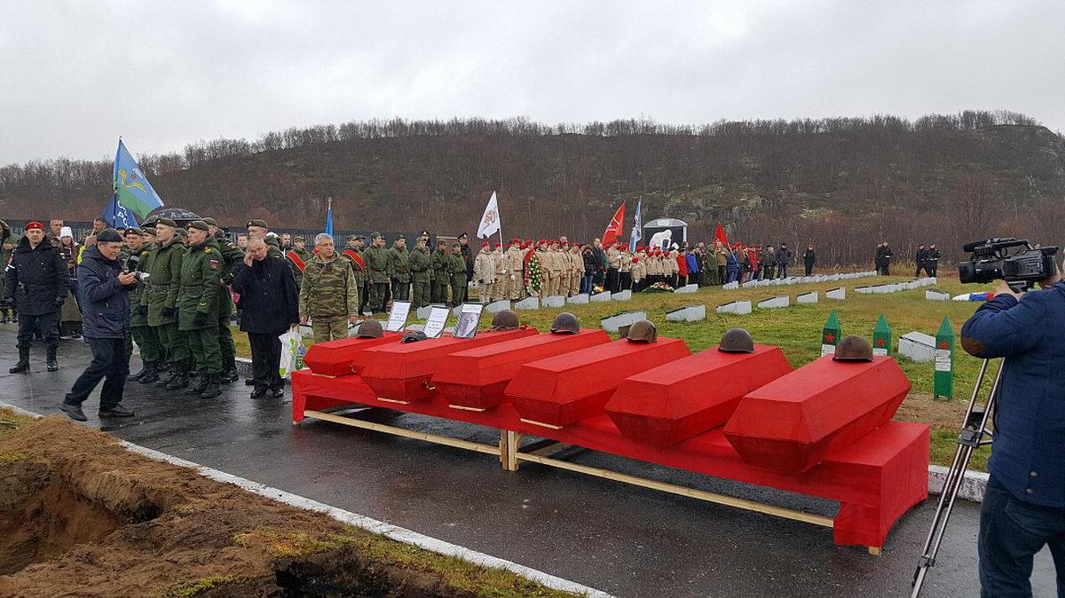 В Долине Славы состоялось захоронение останков советских воинов, обнаруженных в ходе летнего поискового сезона