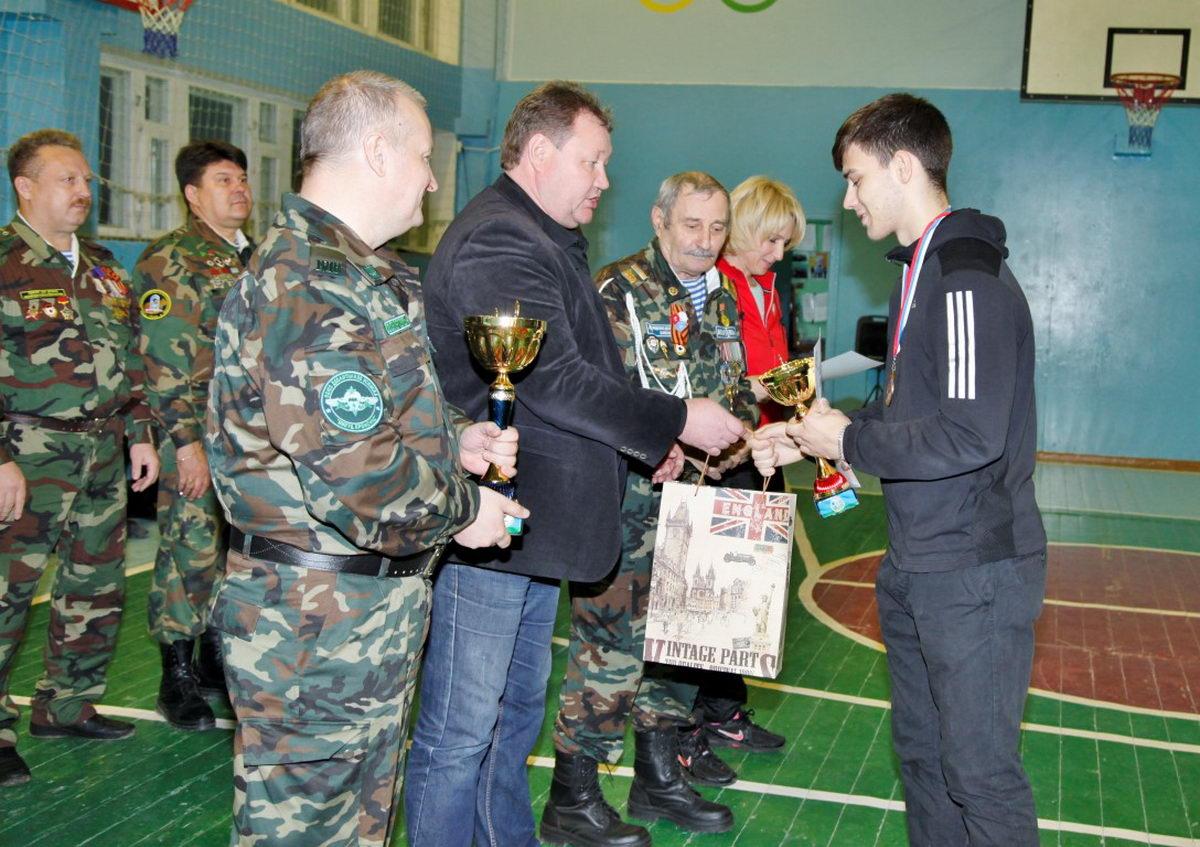 В Усинске прошли военно-спортивные соревнования среди юношей призывного возраста имени Героя Советского Союза, Генерала Армии В.Ф. Маргелова