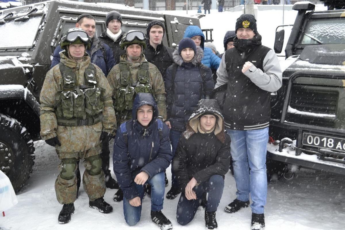 Акция «Сильная армия – сильная Россия»