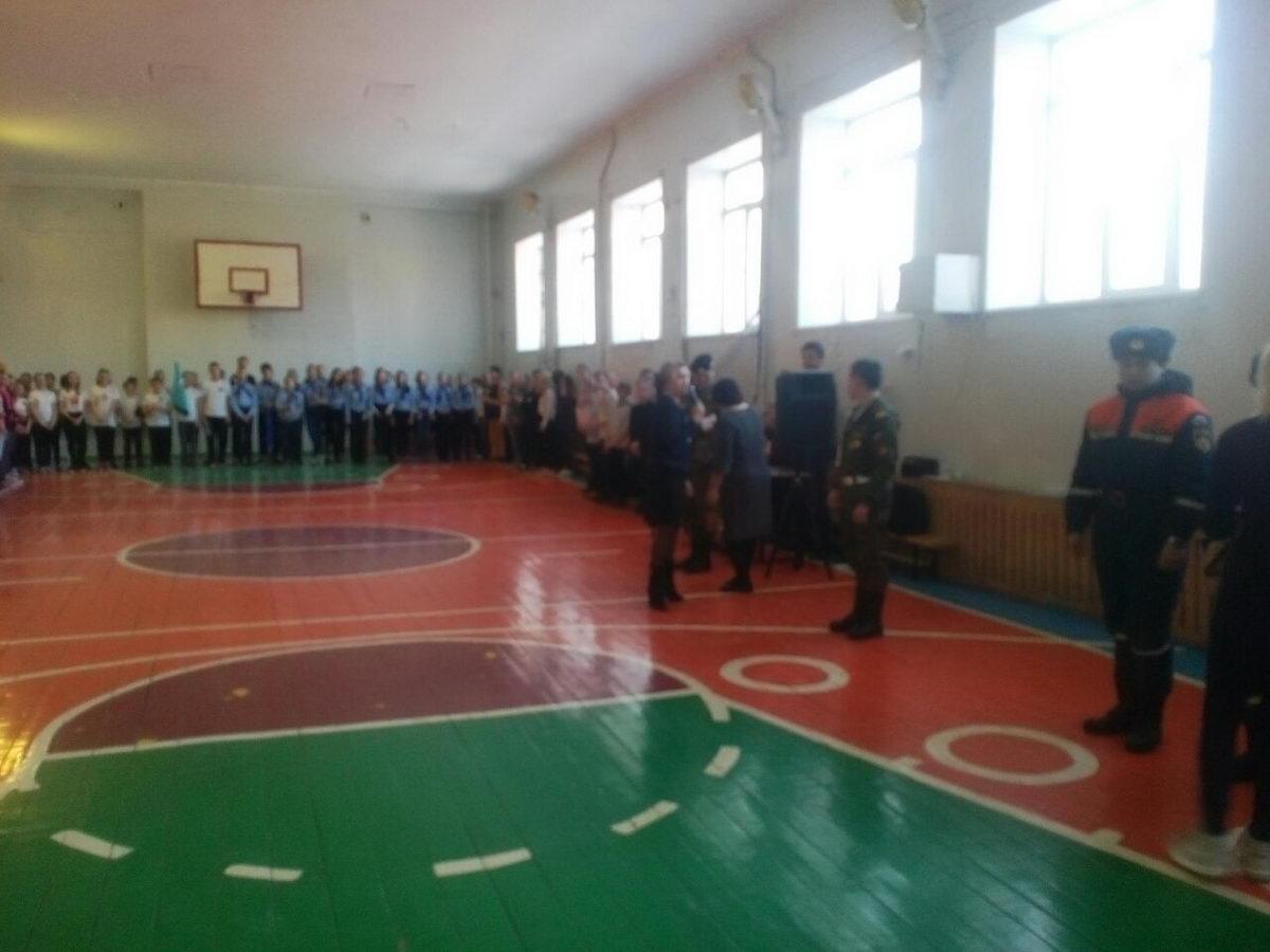 Военно-спортивная игра «Зарница» в средней школе № 121 г. Самары