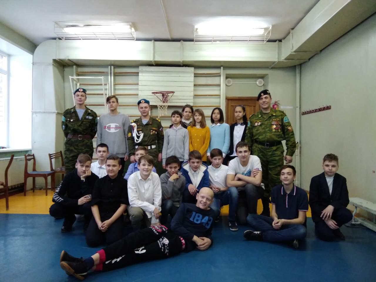 В средней школе № 163 г. Самары прошли занятия по строевой подготовке