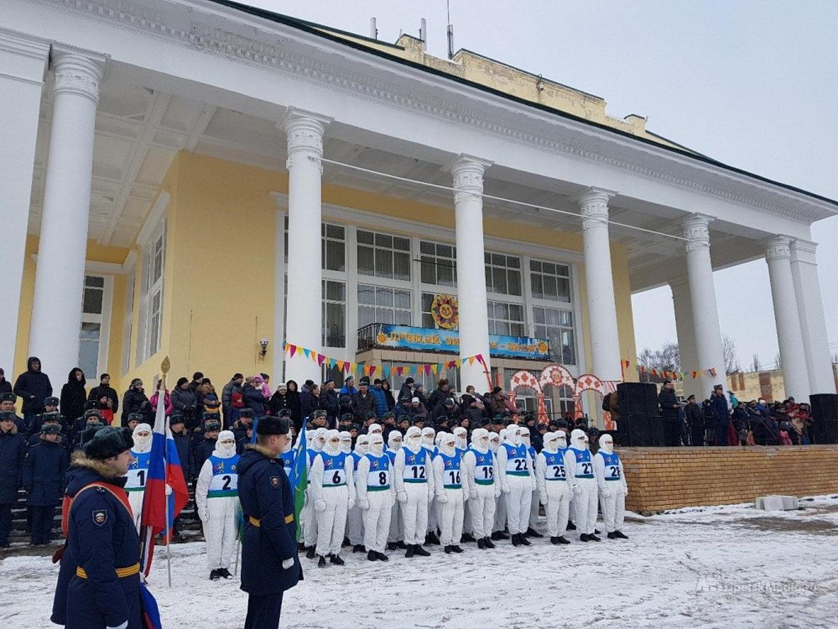 В Липецке встретили грандиозный лыжный марш-бросок десантников