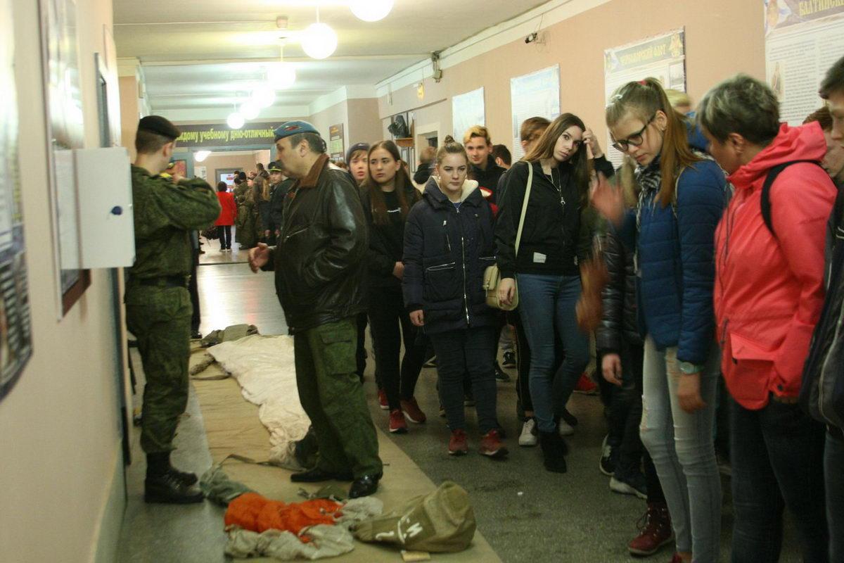 21 апреля поездка с допризывниками в 907 учебный центр подготовки морской пехоты