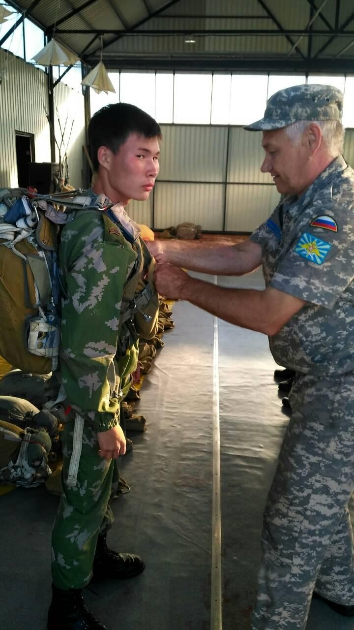 9 июня 2018 года сержанты военно-патриотического клуба «Десантник» имени гвардии майора Санчирова совершили первые прыжки с парашютом