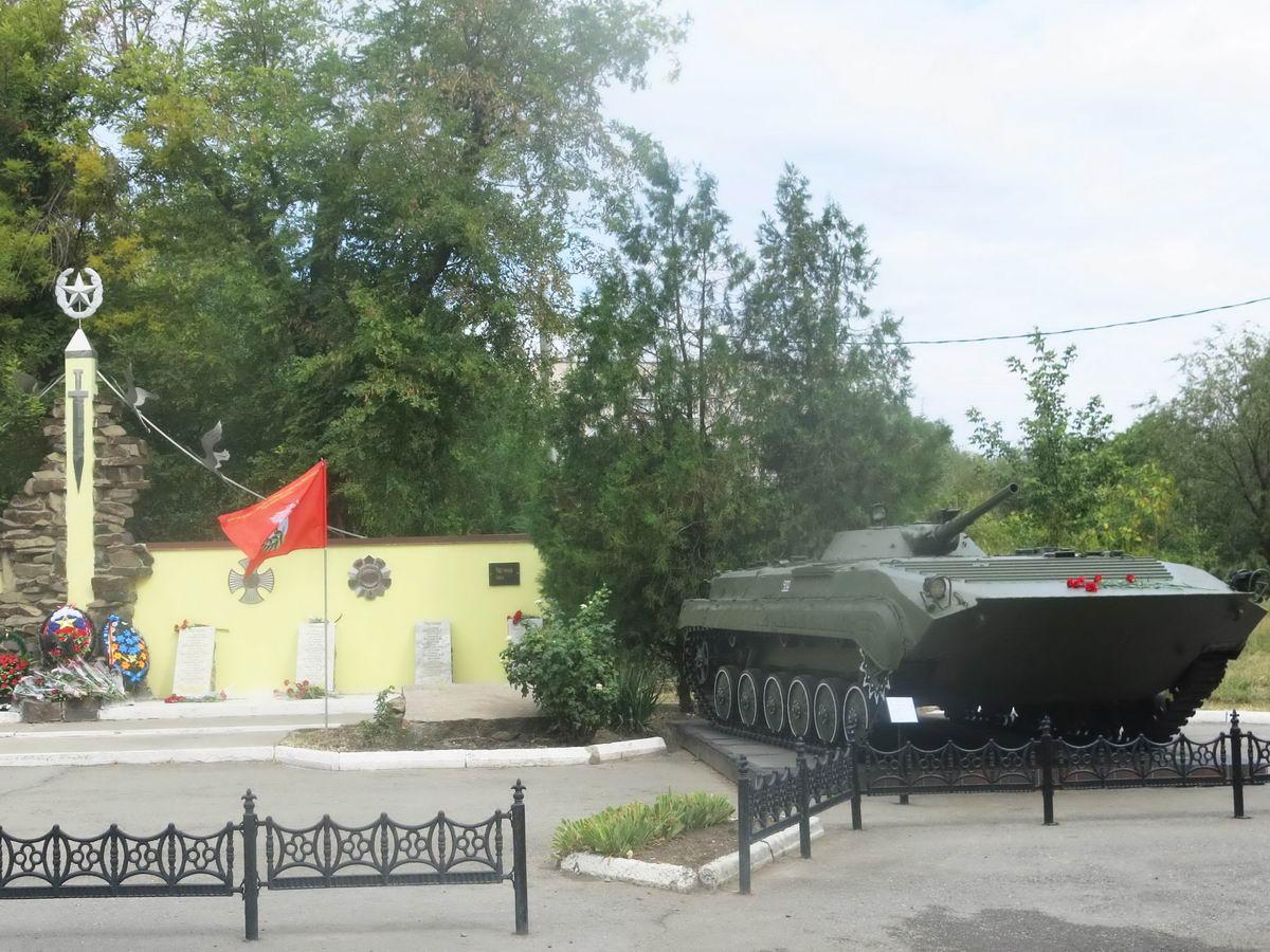 В Таганроге открыт памятник воинам-интернационалистам после реконструкции