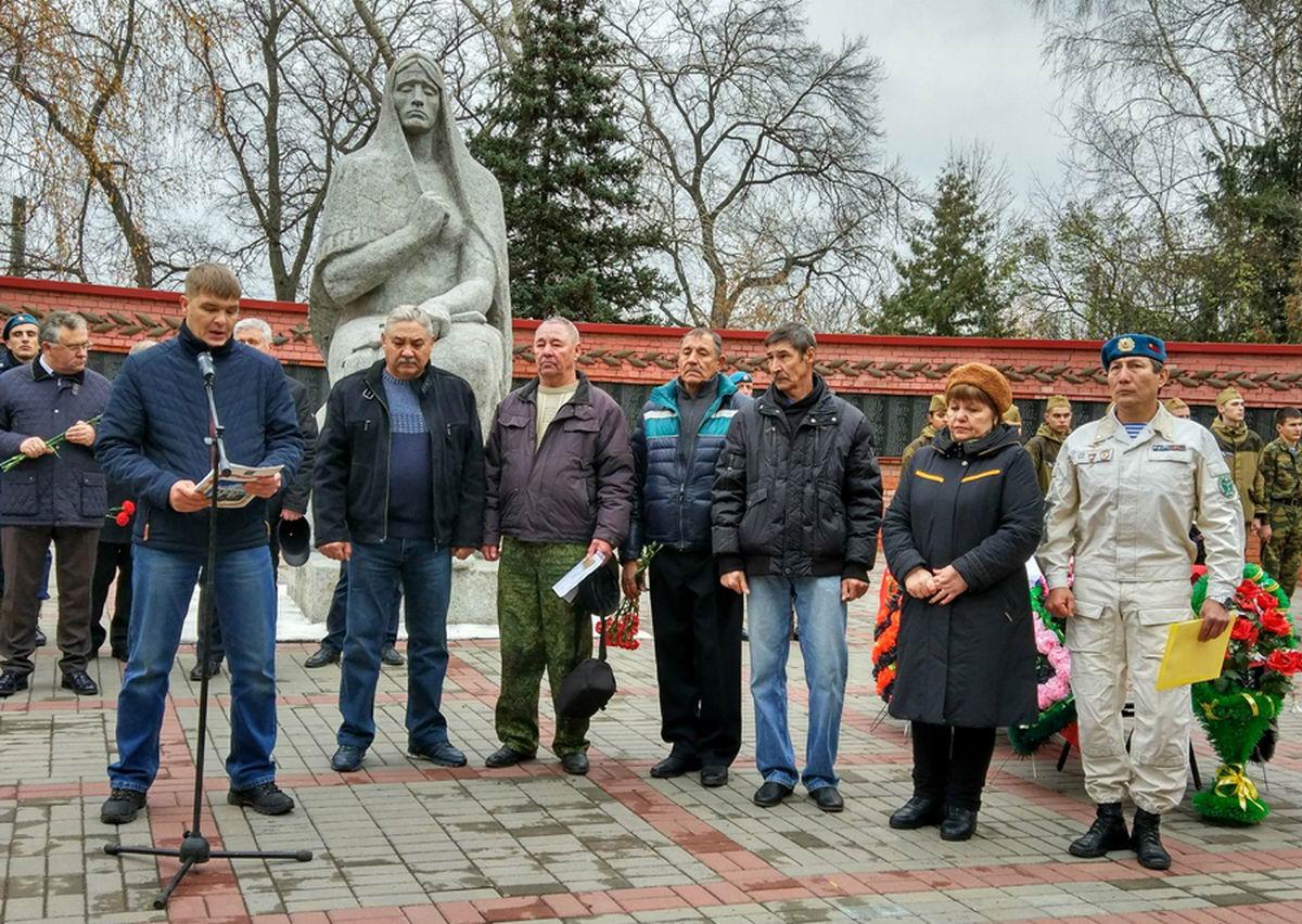 7 ноября 2018 года на Воздвиженском кладбище захоронили останки рядового стрелковой дивизии Василия Ильина