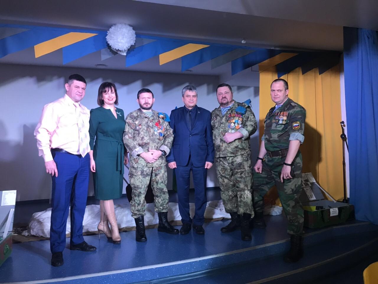 Самарские десантники совместно с депутатами Думы г.о.Самара 22 февраля 2019г провели Урок мужества в Гимназии №3