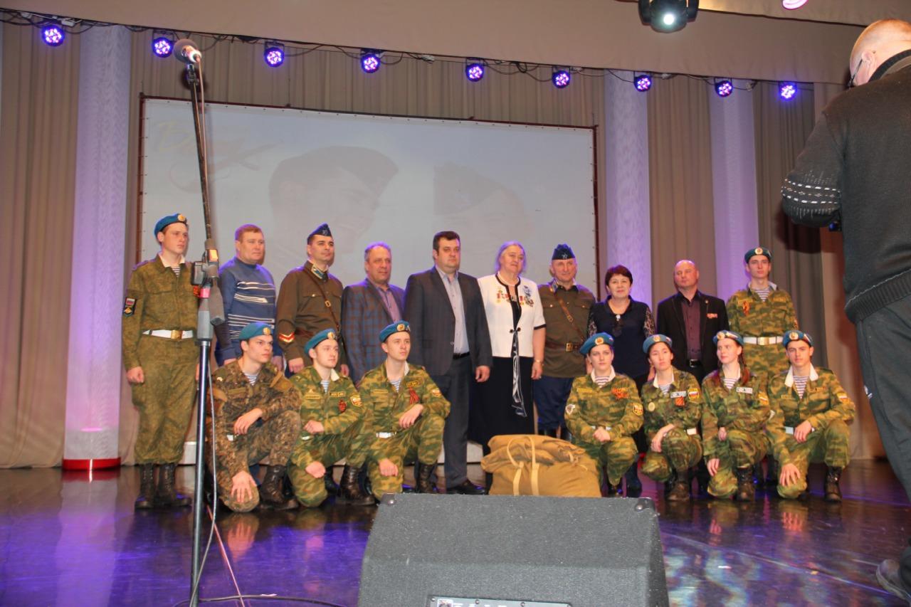Концерт вокальной группы солдатской песни «Бачи»
