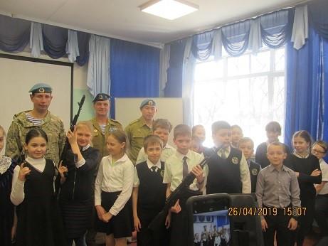 Урок мужества в МБОУ СОШ №49 посвященный 74 годовщины Победы в Великой Отечественной войне