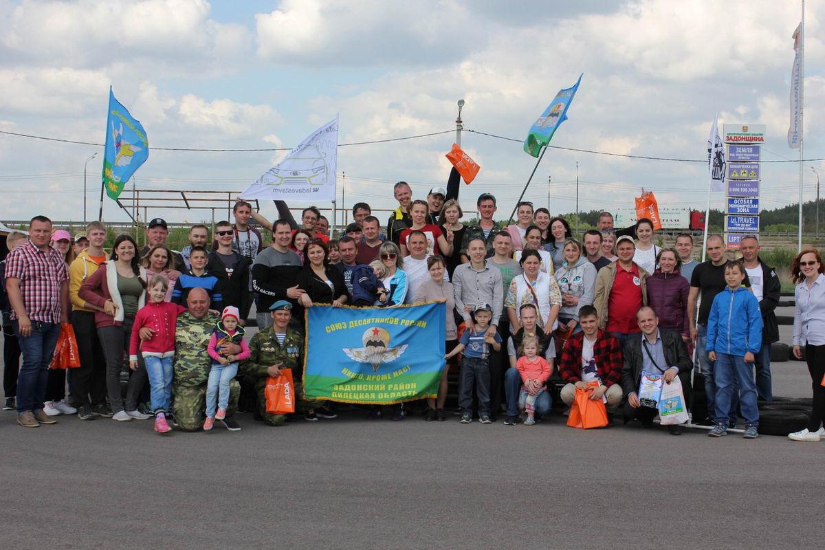 Встреча региональных автоклубов в городе Задонске