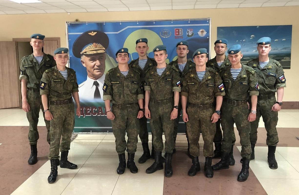 """Фотовыставка """"Десантный характер!"""" - в Рязанском гвардейском высшем воздушно-десантном командном училище!"""