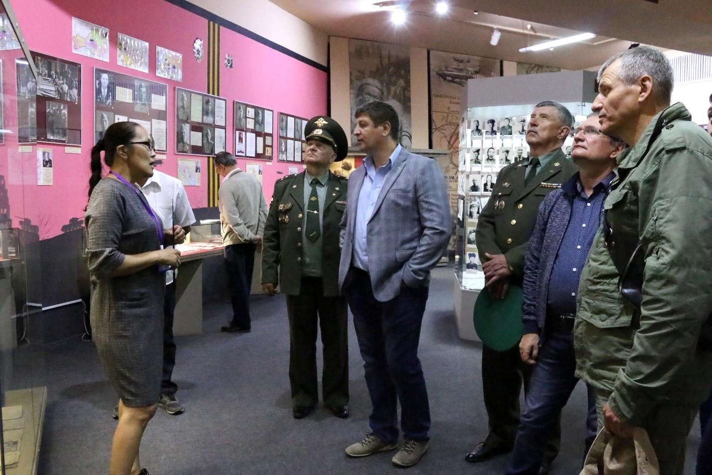 Гости высоко оценили зал «БОЕВОГО БРАТСТВА» Тувинского национального музея