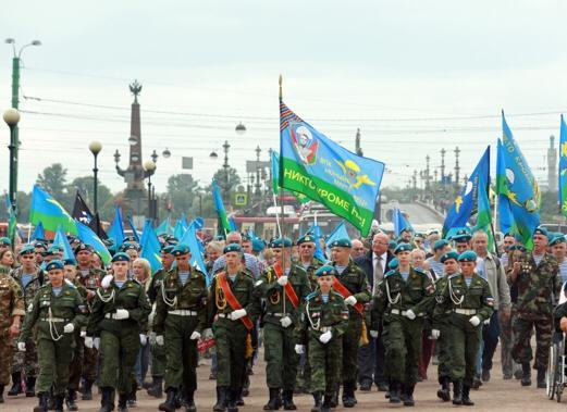В Санкт-Петербурге с размахом отметили 89-ю годовщину создания Воздушно-десантных войск