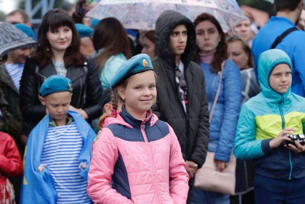 Председатель Орловской Областной общественной организации «Союз десанта и специальных подразделений» в Туле отметил День ВДВ