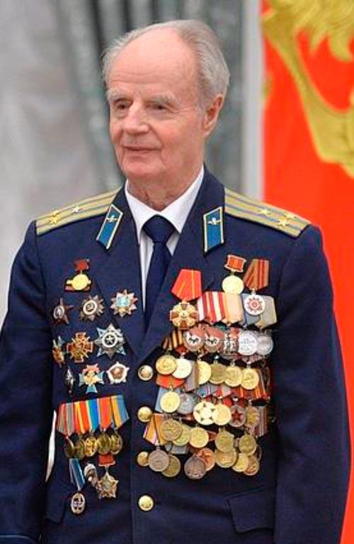 ПОЗДРАВЛЯЕМ С 95-ТИ ЛЕТИЕМ гвардии полковника ВДВ КУКУШКИНА АЛЕКСЕЯ ВАСИЛЬЕВИЧА