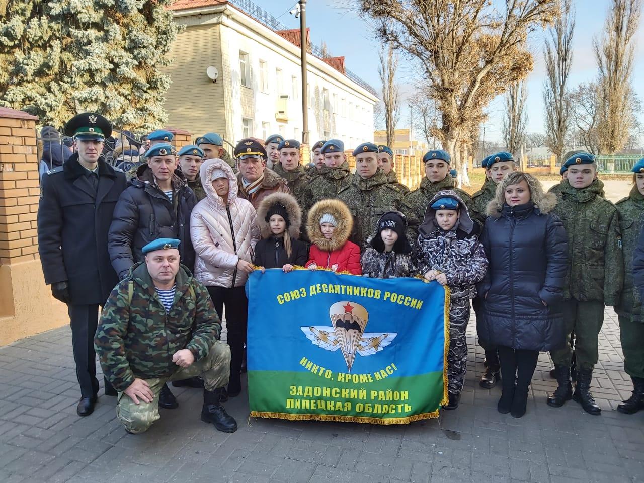 Открытие бюста Роману Пахомову