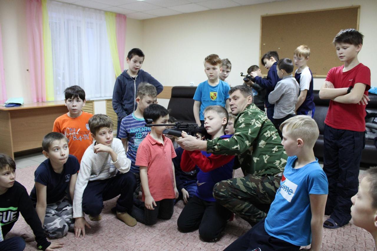 «Союз десантников Удмуртии» обучает своих юных друзей - учеников детских домов Удмуртии
