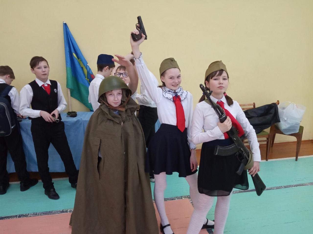«Союз десантников Удмуртии» проводит комплекс мероприятий в средней общеобразовательной школе № 16 города Ижевск