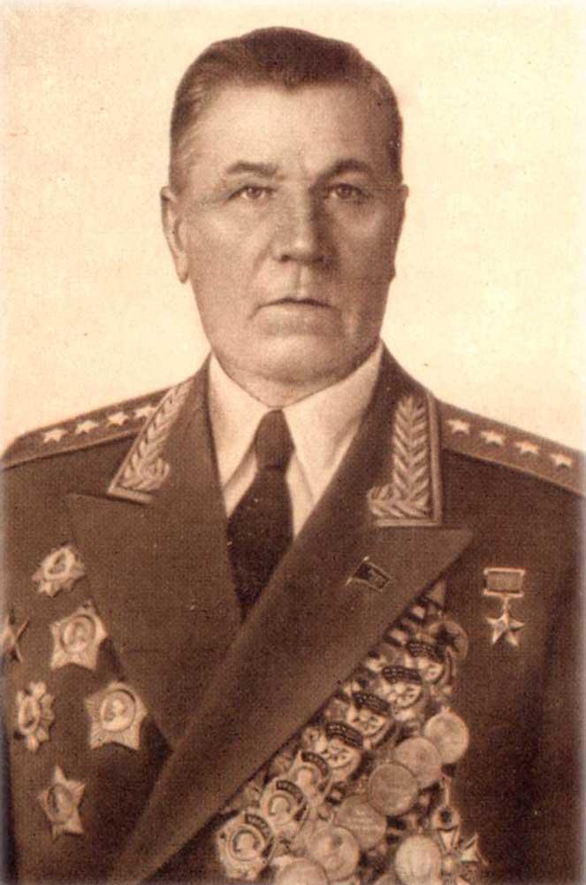 10 марта исполняется 129 лет со дня рождения Командующего ВДВ (1950-1954 гг.), Героя Советского Союза, генерала армии Горбатова Александра Васильевича