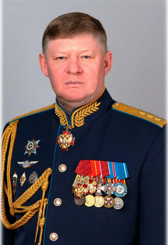ПОЗДРАВЛЯЕМ С ДНЕМ РОЖДЕНИЯ КОМАНДУЮЩЕГО ВОЗДУШНО-ДЕСАНТНЫМИ ВОЙСКАМИ генерал-полковника СЕРДЮКОВА АНДРЕЯ НИКОЛАЕВИЧА!