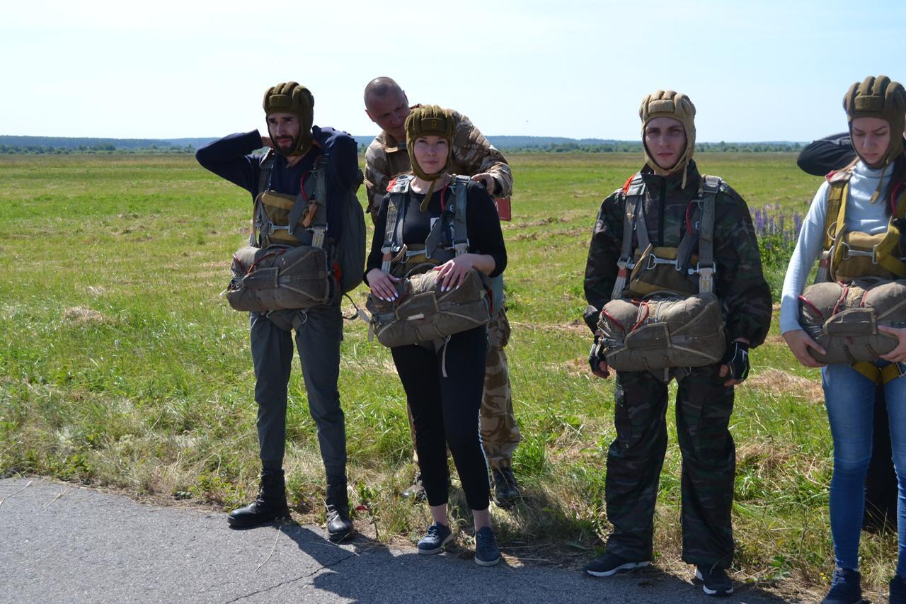 «Союз десантников Удмуртии» открыл летний парашютный сезон