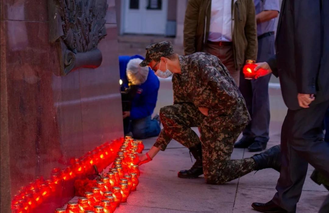 В Орле состоялась акция «Свеча памяти»
