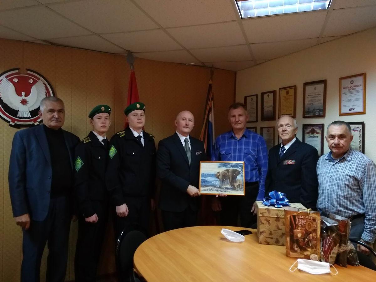 Члены «Союза десантников Удмуртии» и общественных организаций встретились со школьниками СОШ №76