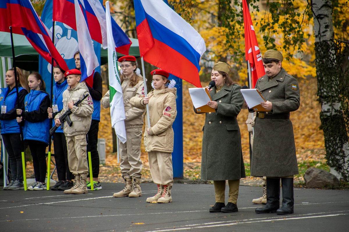 В Петрозаводске провели XVIII открытый городской военно-патриотический слёт «К службе в армии готов!»