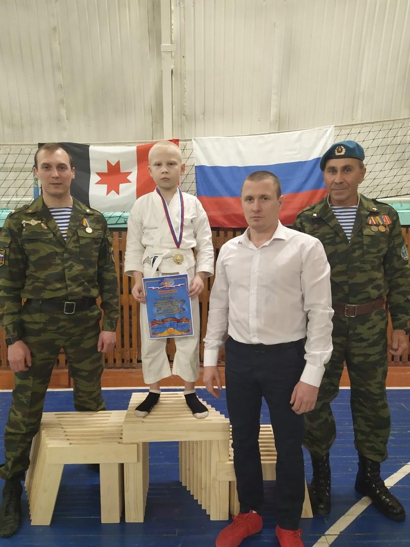 Юные десантники «Союза десантников Удмуртии» на контрольных тренировках…