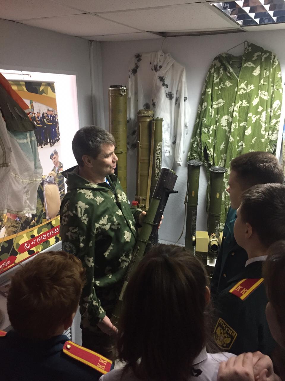 «Союз десантников Удмуртии» в ноябрьские дни проводит уроки мужества, посвящённые Калашникову Михаилу Тимофеевичу