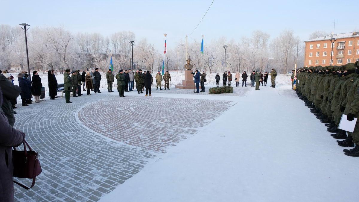 Кадетам Усольского Гвардейского корпуса вручены удостоверения о прохождении допризывной подготовки
