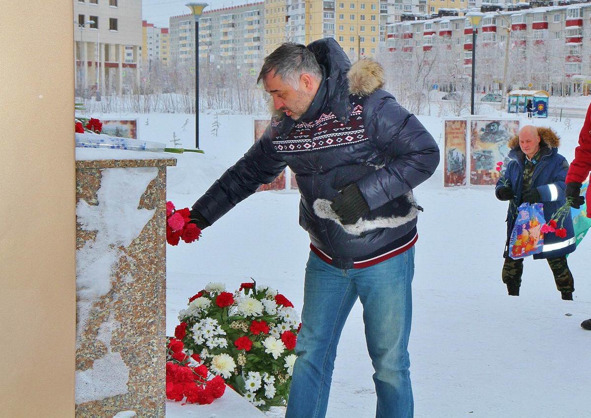 """Усинск присоединился к Всероссийской акции """"Защитим память героев"""""""