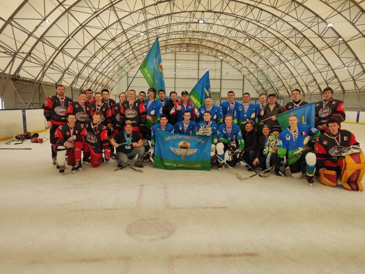 Команда по хоккею «Союза десантников Удмуртии» с достоинством прошла весь соревновательный путь престижного хоккейного турнира