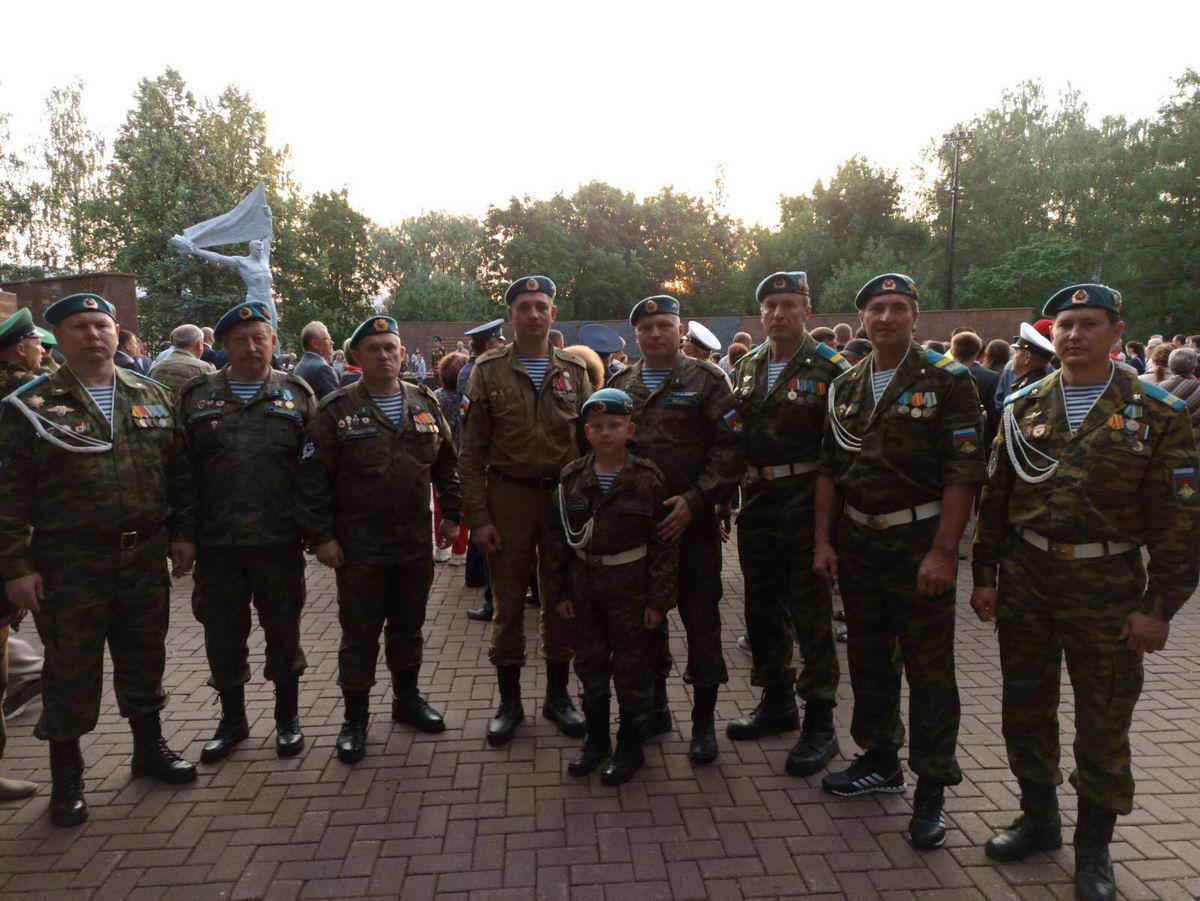 Гвардейцы «Союза десантников Удмуртии» участвуют в мероприятиях, проводимых по случаю Дня памяти и скорби…