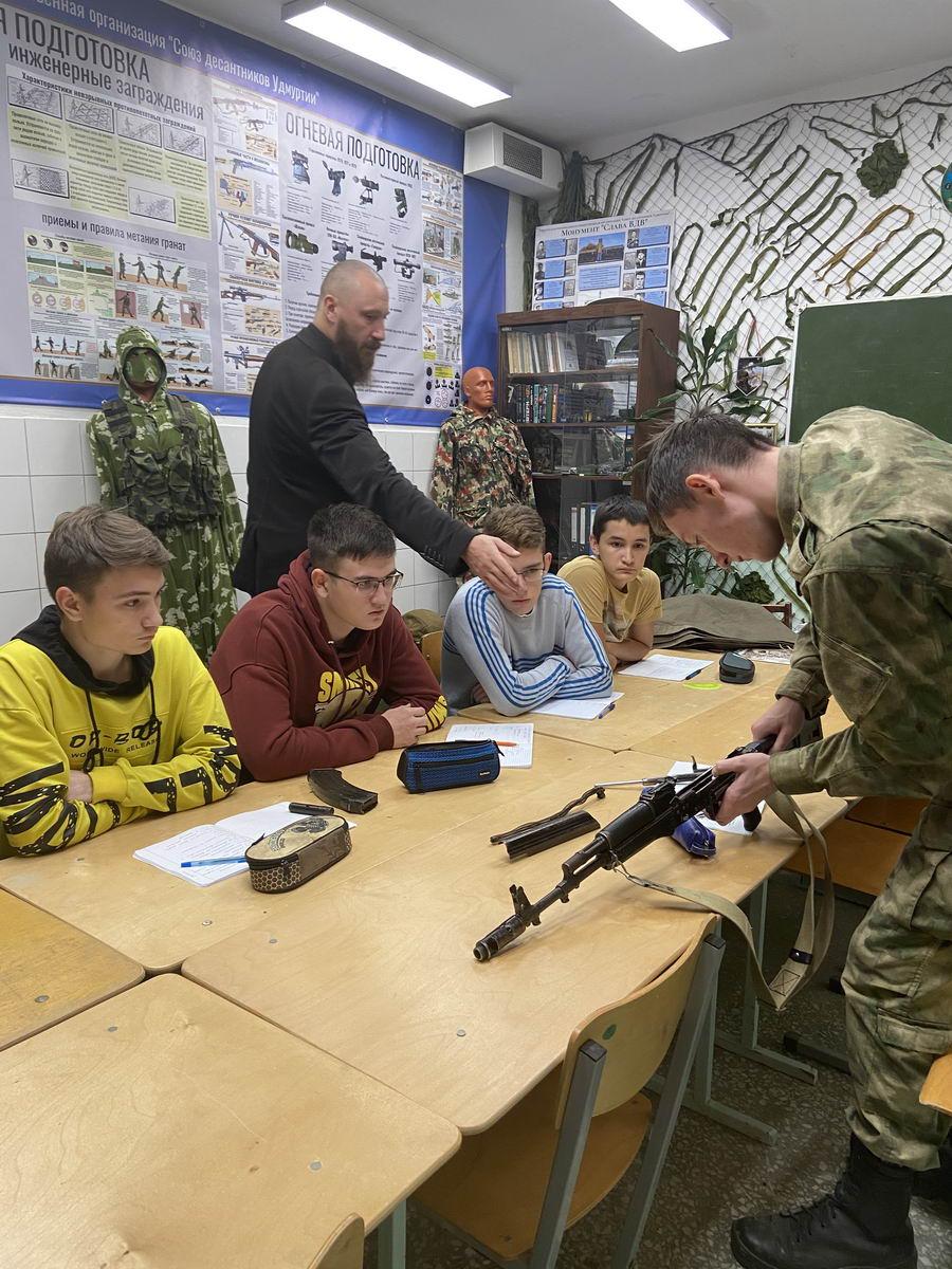 «Союз десантников Удмуртии», «Щит Родины» продолжили проводить цикл мероприятий согласно «Программы ВСП-100 «Крылатая пехота»