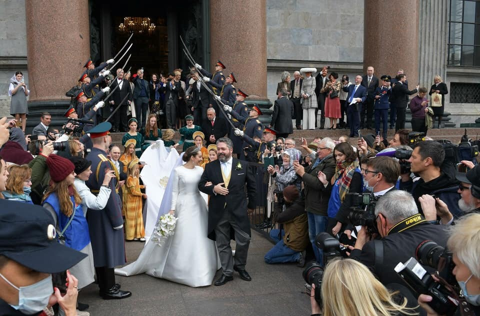 """Ветеранов возмутило участие действующих военных в церемонии венчания """"потомка царской семьи"""""""